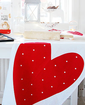 Red Heart Tewtowel